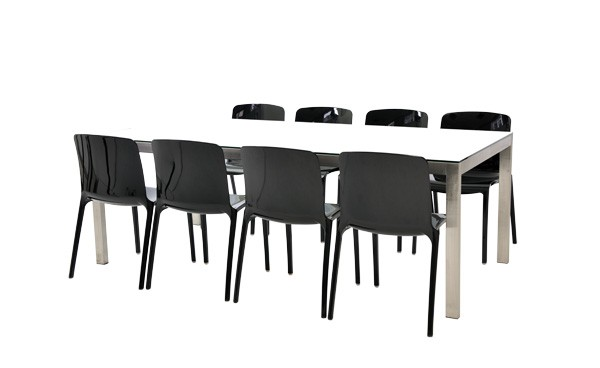 Location ensemble chaises tiffany noir table linea for Service de table noir et blanc