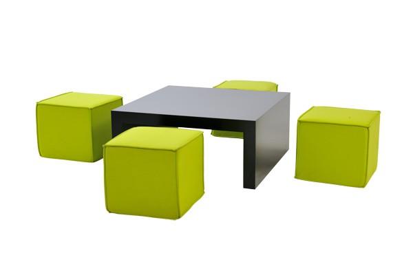 Location ensemble poufs rio vert anis table basse rione noir et bas - Table basse 6 poufs noir ...