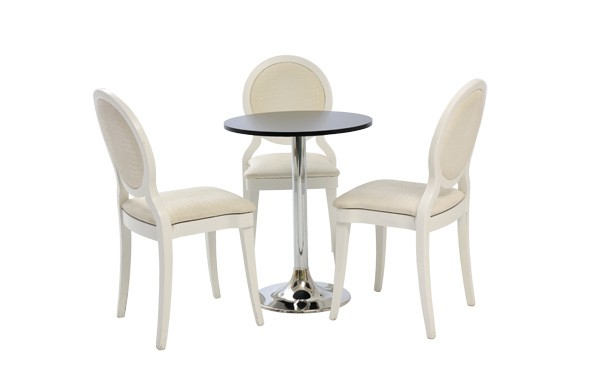 Location ensemble chaises brescia blanc table kuadra for Ensemble table et chaise noir et blanc