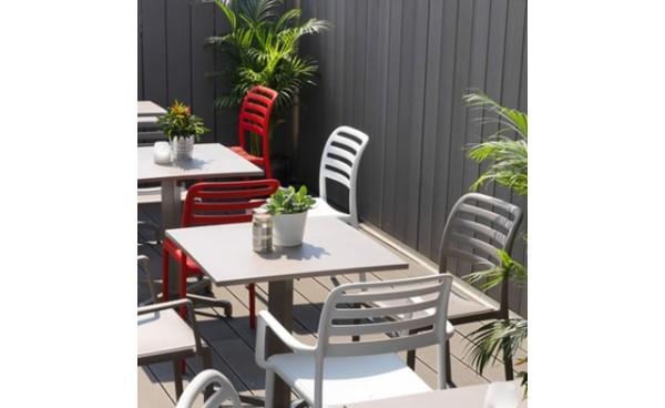 location chaise costa blanc et mobilier de jardin phiapa line. Black Bedroom Furniture Sets. Home Design Ideas